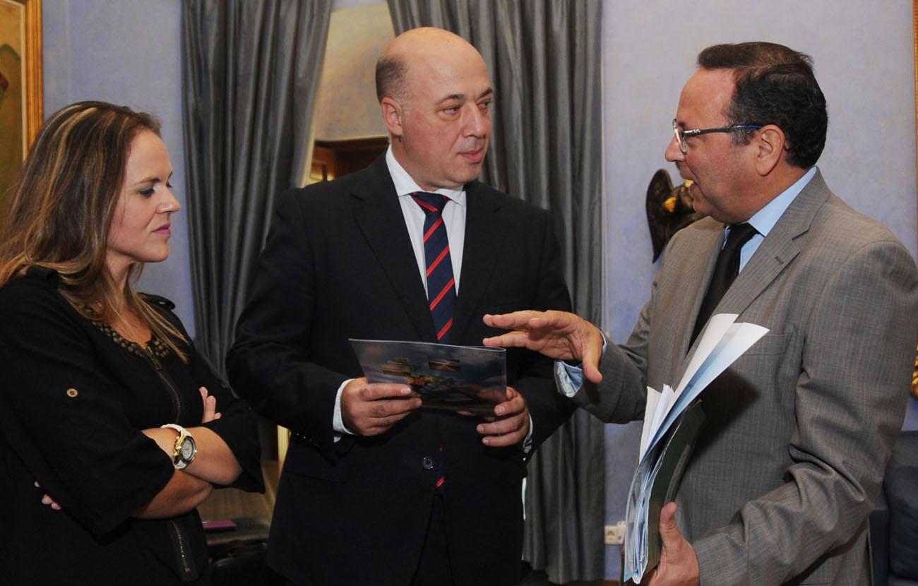 FACUA Córdoba se reúne con el nuevo presidente de la Diputación