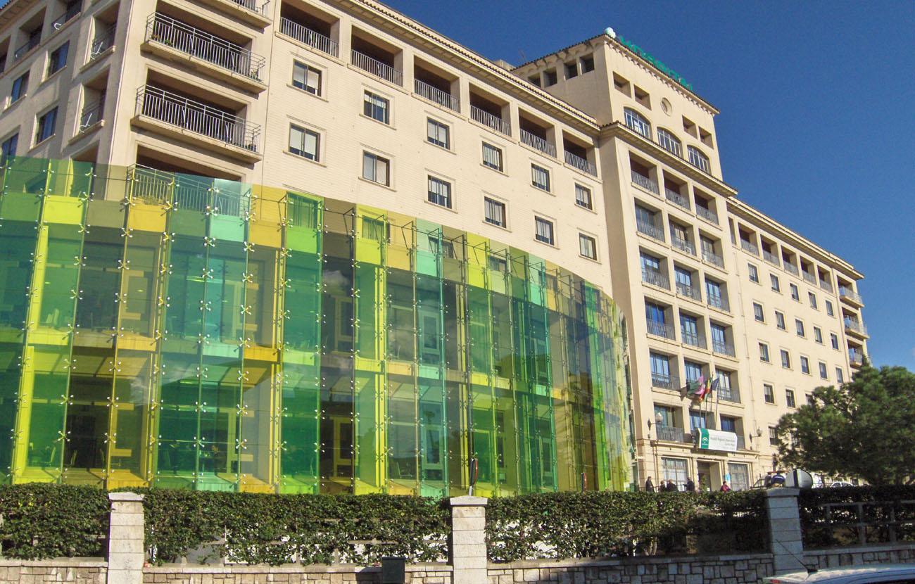 El SAS indemniza con 830 euros a una socia de FACUA Málaga por el extravío de su prótesis dental