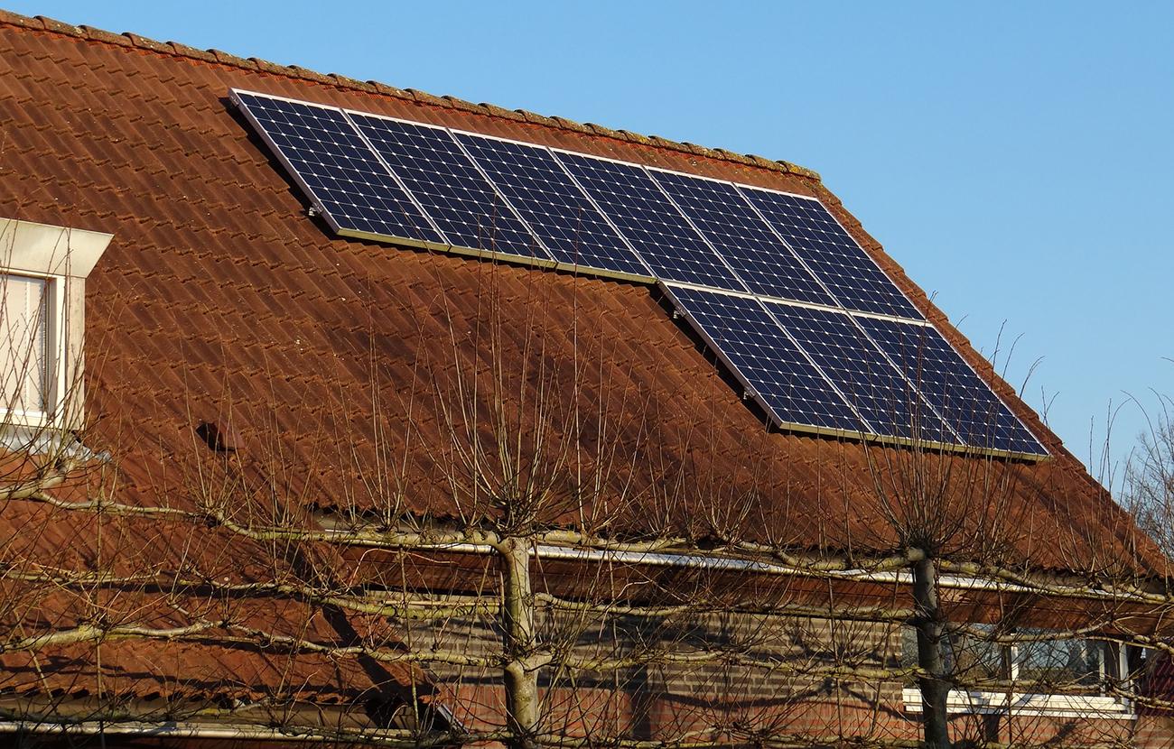 FACUA rechaza el Decreto que penaliza el autoconsumo y se pliega a los intereses de las grandes eléctricas