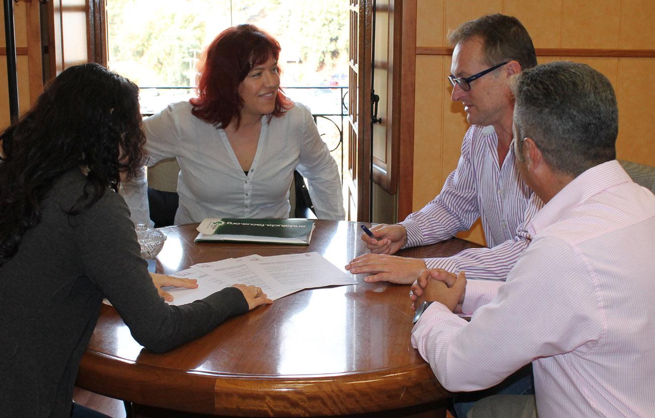 FACUA Málaga firma un acuerdo con el Ayuntamiento de Álora para la defensa de los consumidores