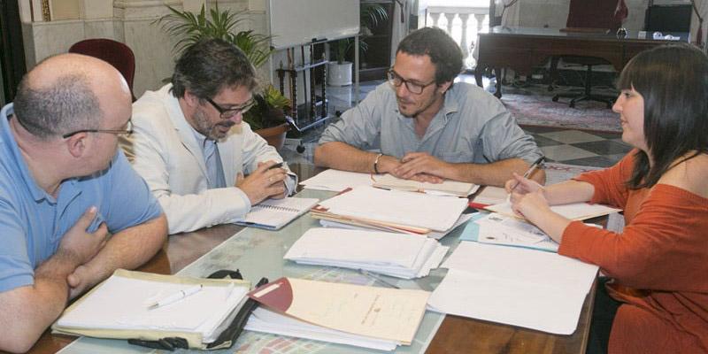 FACUA Cádiz se reúne con el Alcalde y la Concejal de consumo de esta ciudad
