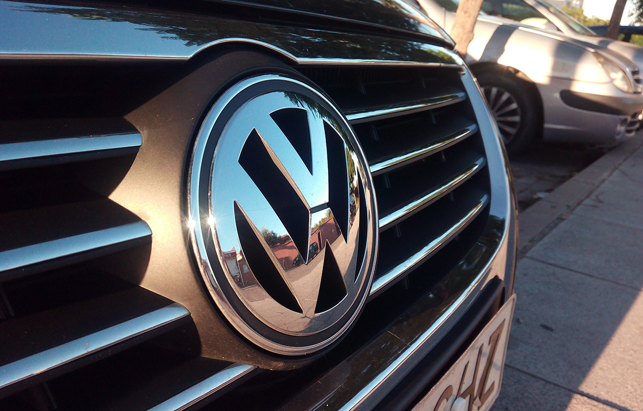 Bruselas da diez días a Volkswagen para que clarifique la manipulación de emisiones de CO2