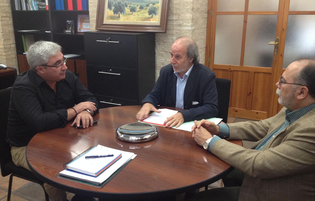 FACUA Ja�n se re�ne con el presidente de la Diputaci�n