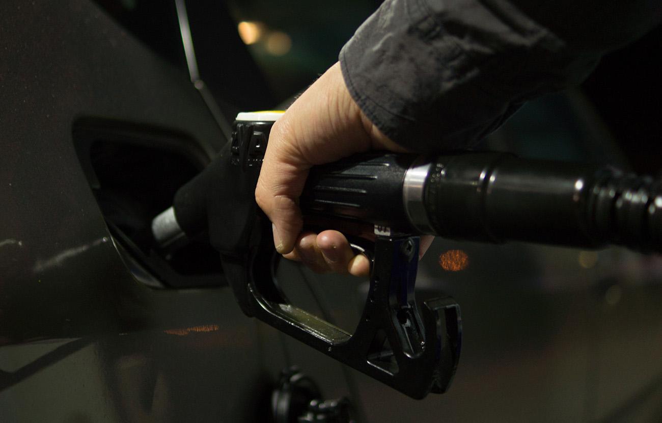 La gasolina ha duplicado su precio desde que el Gobierno lo liberalizó en 1998, denuncia FACUA