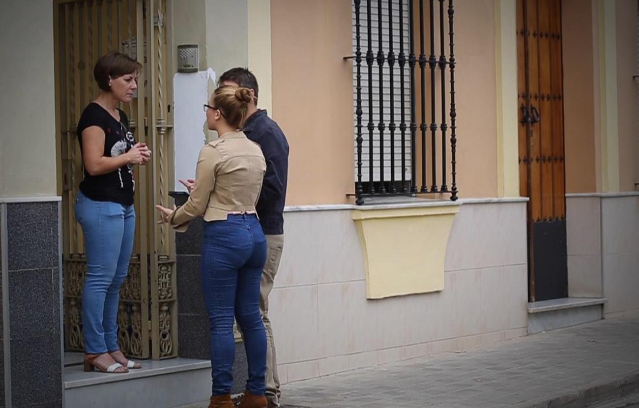 """FACUA advierte de que prohibir la venta de luz """"puerta a puerta"""" reduciría enormemente los fraudes"""