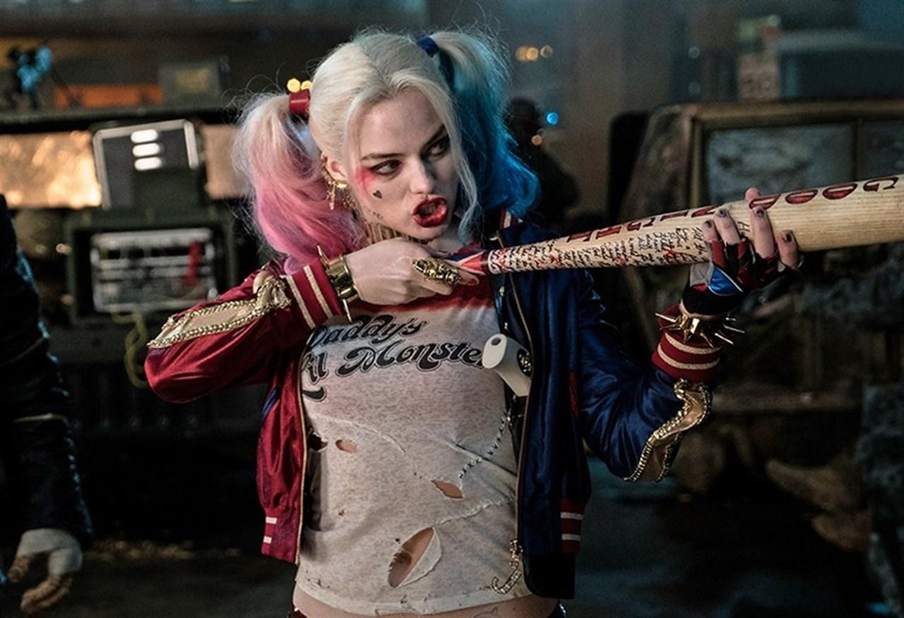 En los trailers de 'Escuadrón suicida' aparecían escenas del Joker y otros personajes, como Harley Quinn, que no se vieron en la versión estrenada en cines. | Imagen: Warner Bros.